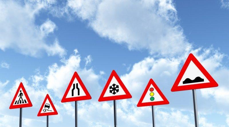 Få styr på færdselstavlerne, inden du skal til teoriprøve